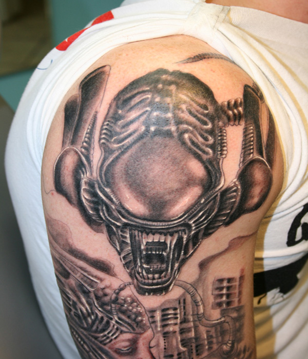 Scary Alien Tattoo Design On Shoulder