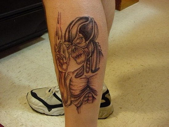 Stylish Alien Tattoo On Leg