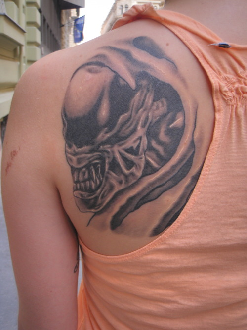 Alien Skull Tattoo Design For Girls