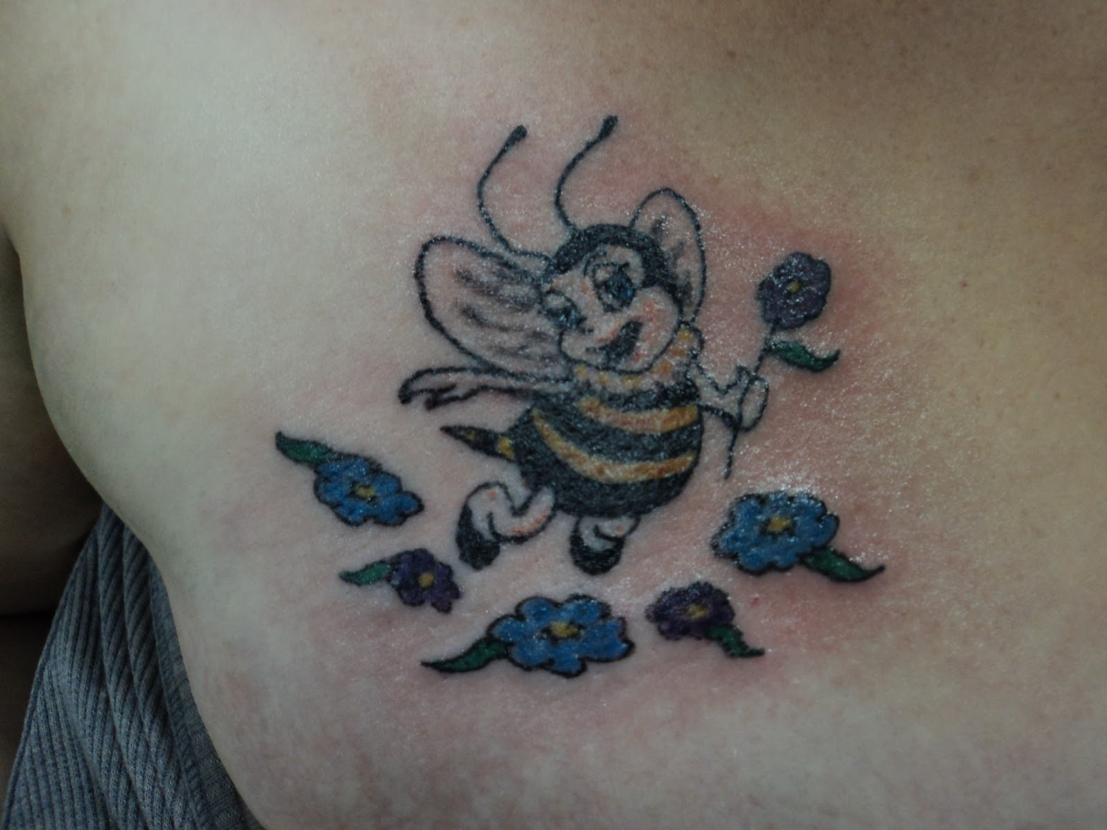 Bee Tattoo Design On Blade Shoulder