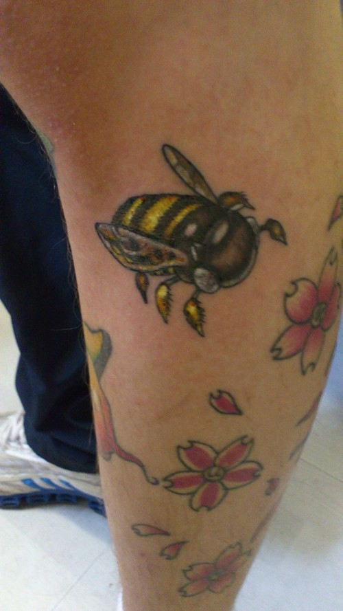 Bumblebee Tattoo With Flowers