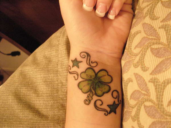 4 Leaf Clover & Stars Tattoo On Wrist