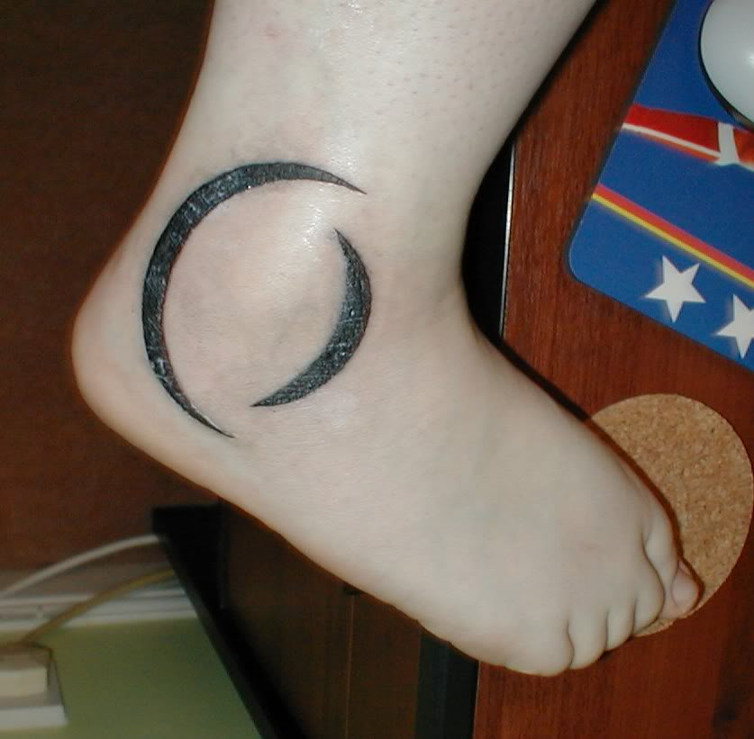 Perfect Circle Tattoo On Ankle