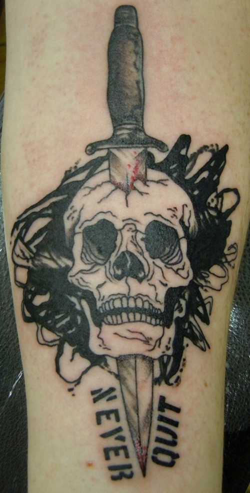 Never Quit Skull Dagger Tattoo Designs
