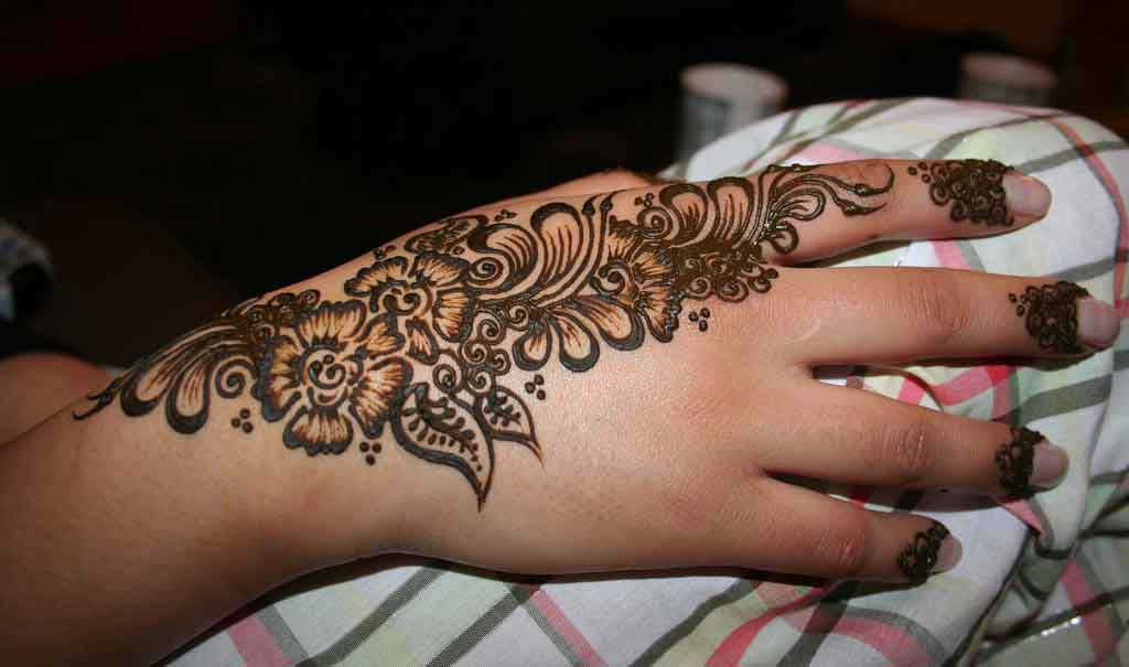 Beautiful henna hand tattoo design tattoobite com