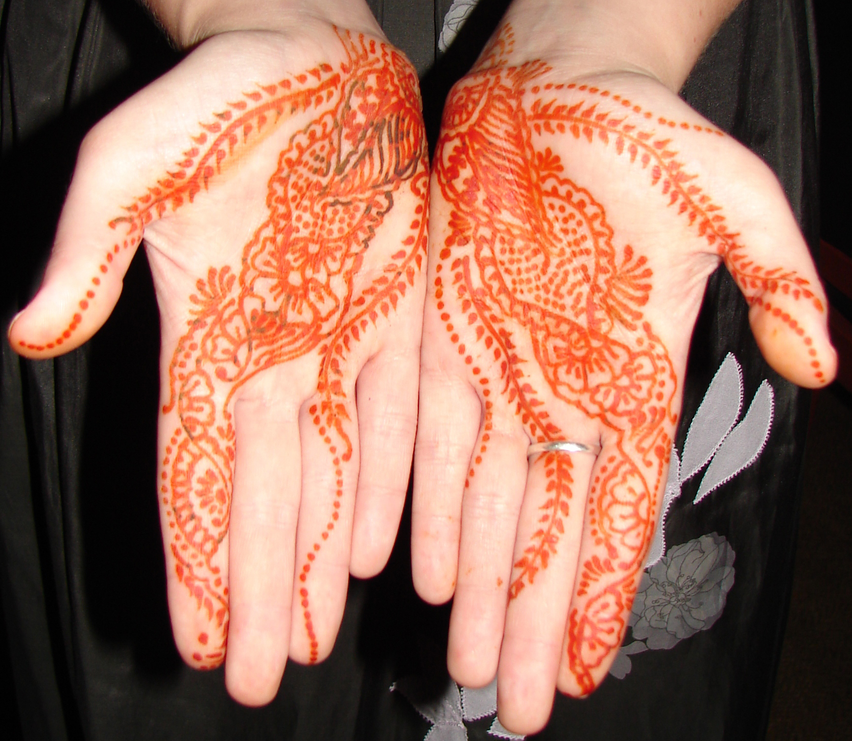 Cool Henna Tattoo Designs On Hand