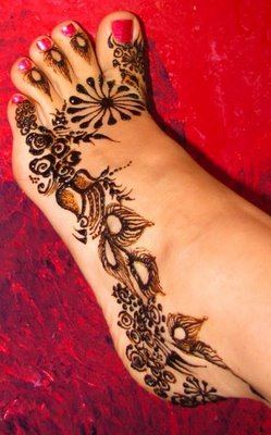Henna Tattoo On Foot For Girls