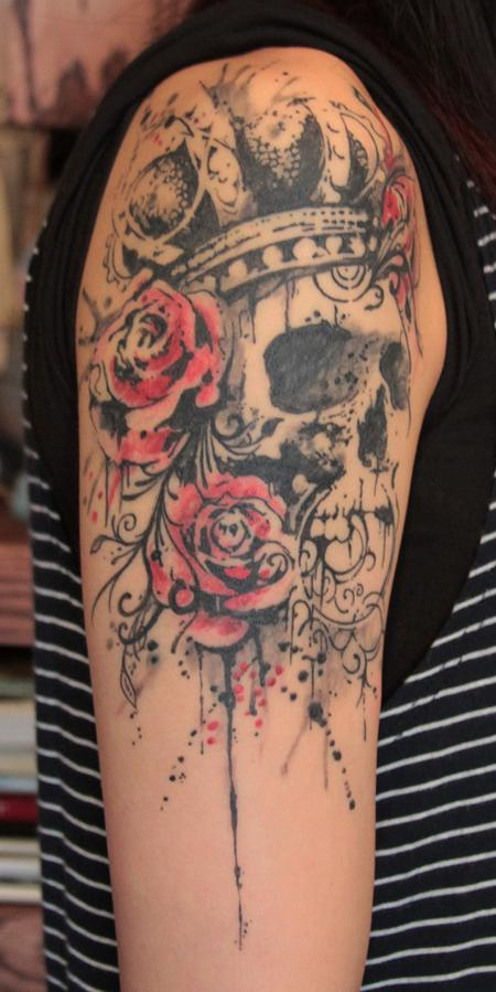 King Skull n Roses Tattoo On Upper Arm