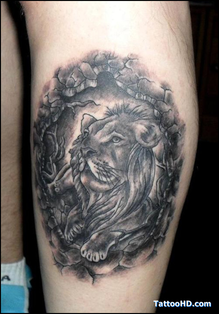 Male Lion Tattoo On Leg