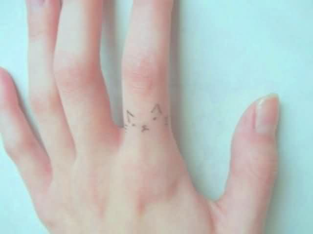 Cute Cat Tattoo On Finger