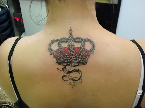 S With Red Crown Tattoo On Upper Back