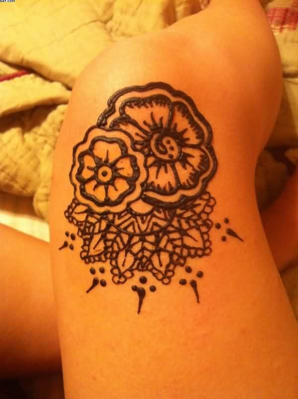 Beautiful Henna Knee Tattoo For Girls