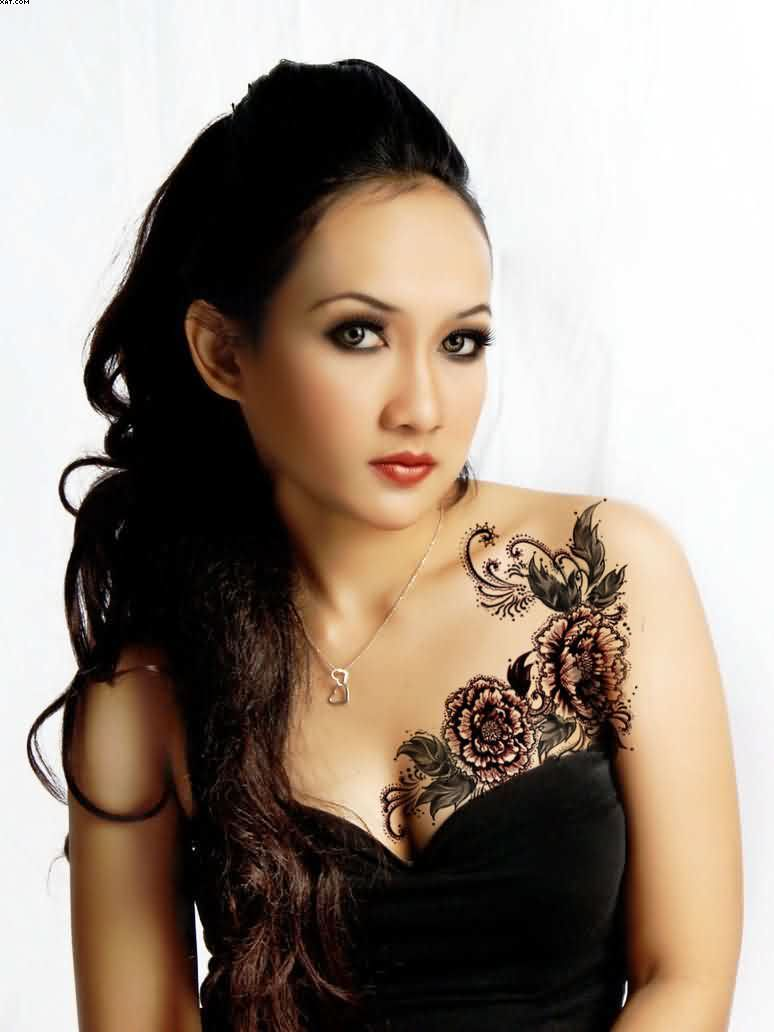 Lovely Chest Tattoos For Women