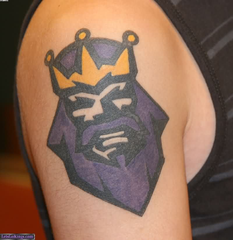 Nice King Tattoo On Muscles