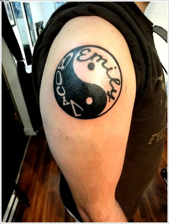 Yin Yang Tattoo With Name On Shoulder