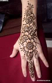 Wonderful Henna Vine Tattoo For Hand