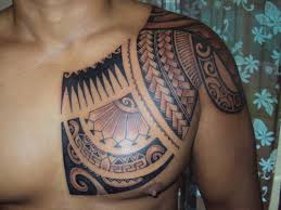 Amazing Hawaiian Tribal Tattoo On Chest