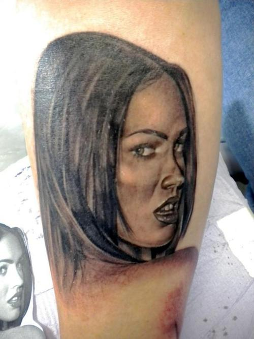Megan Fox Vampire Tattoo For Leg