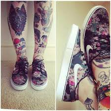 Wonderful Traditional Tattoos For Legs