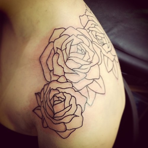 Black Outline Roses Tattoos On Shoulder
