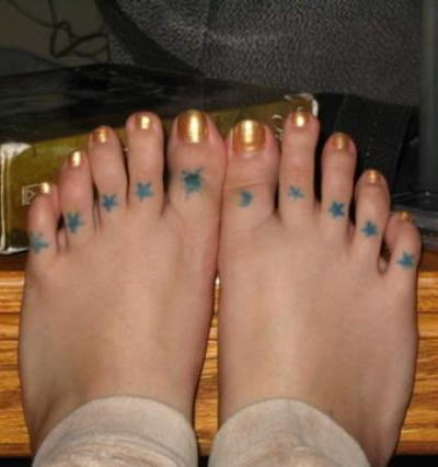 Blue Stars Tattoos On Toe