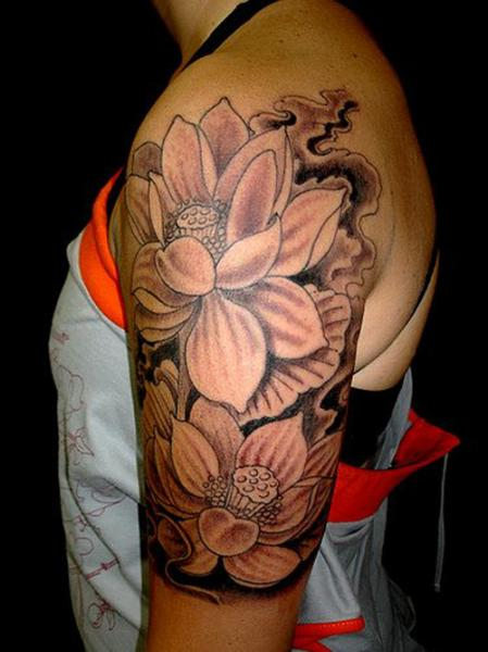 Feminine Flower Tattoos On Left Half Sleeve