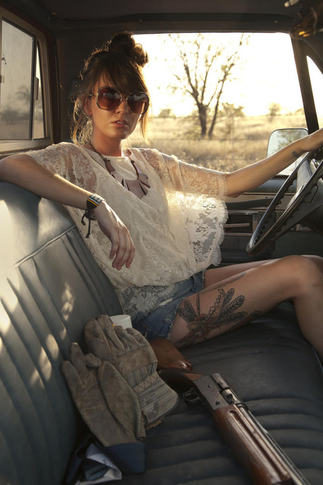 Indian Feather Tattoos On Thigh Of Girl