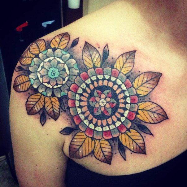 Lovely Flower Mandala Tattoos On Back Shoulder