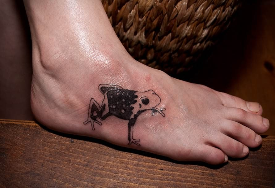Fresh Ink Frog Tattoo On Foot