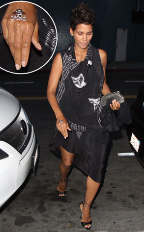 Halle Berry Gets A Pirate Tattoo On Right Hand