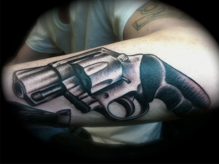 Have A Wonderful Pistol Tattoo!