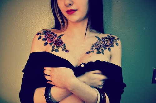 Hot Babe With Red Rose Tattoos