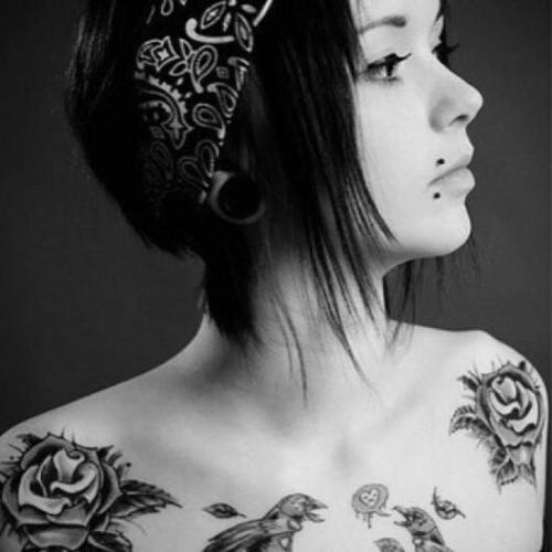 Modern Girl With Grey Roses Tattoos On Shoulder