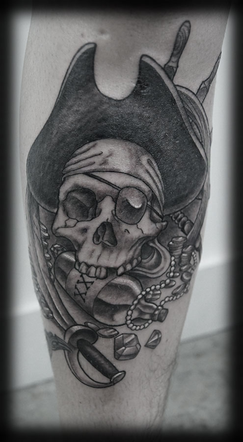 Pirate Skull Black And White Tattoo On Leg