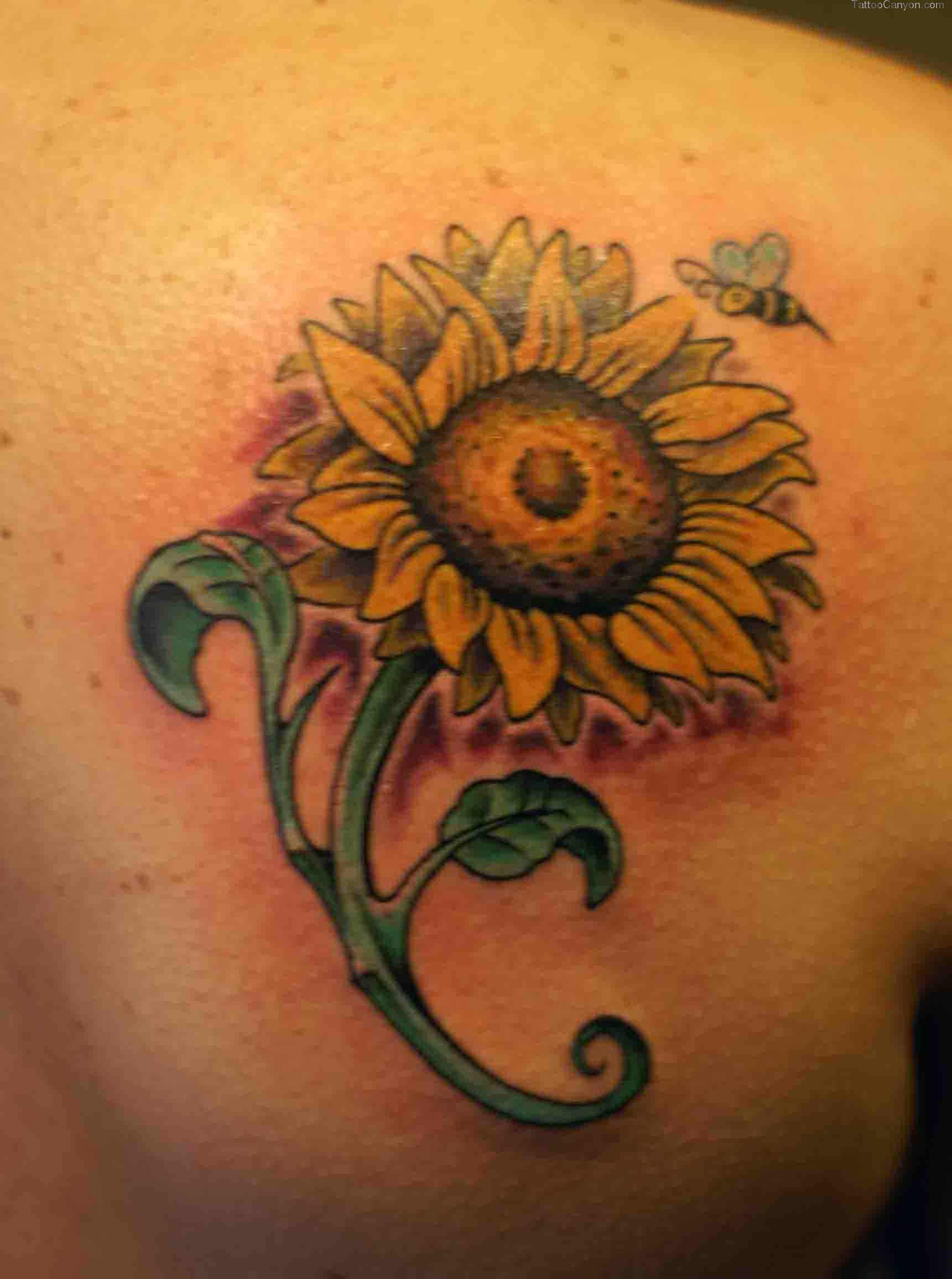 3D Bee On Sunflower Tattoos On Right Shoulder Blade
