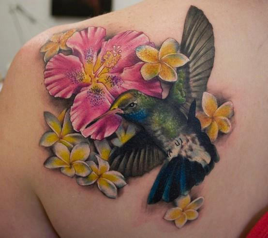 3D Flowers And Hummingbird Tattoos On Back Shoulder
