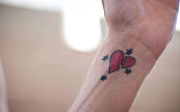 3D Red Broken Heart And Tiny Star Tattoos On Wrist