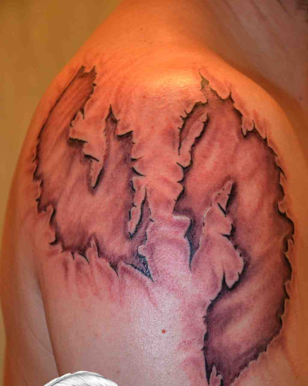 3D Skin Tattoo On Shoulder