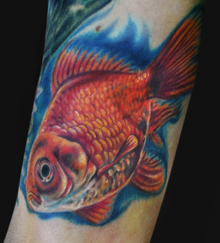 realistic-3d-goldfish-tattoo