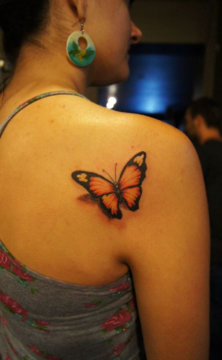 Smallish-Color-3D-Butterfly-Tattoo-On-Back-Shoulder