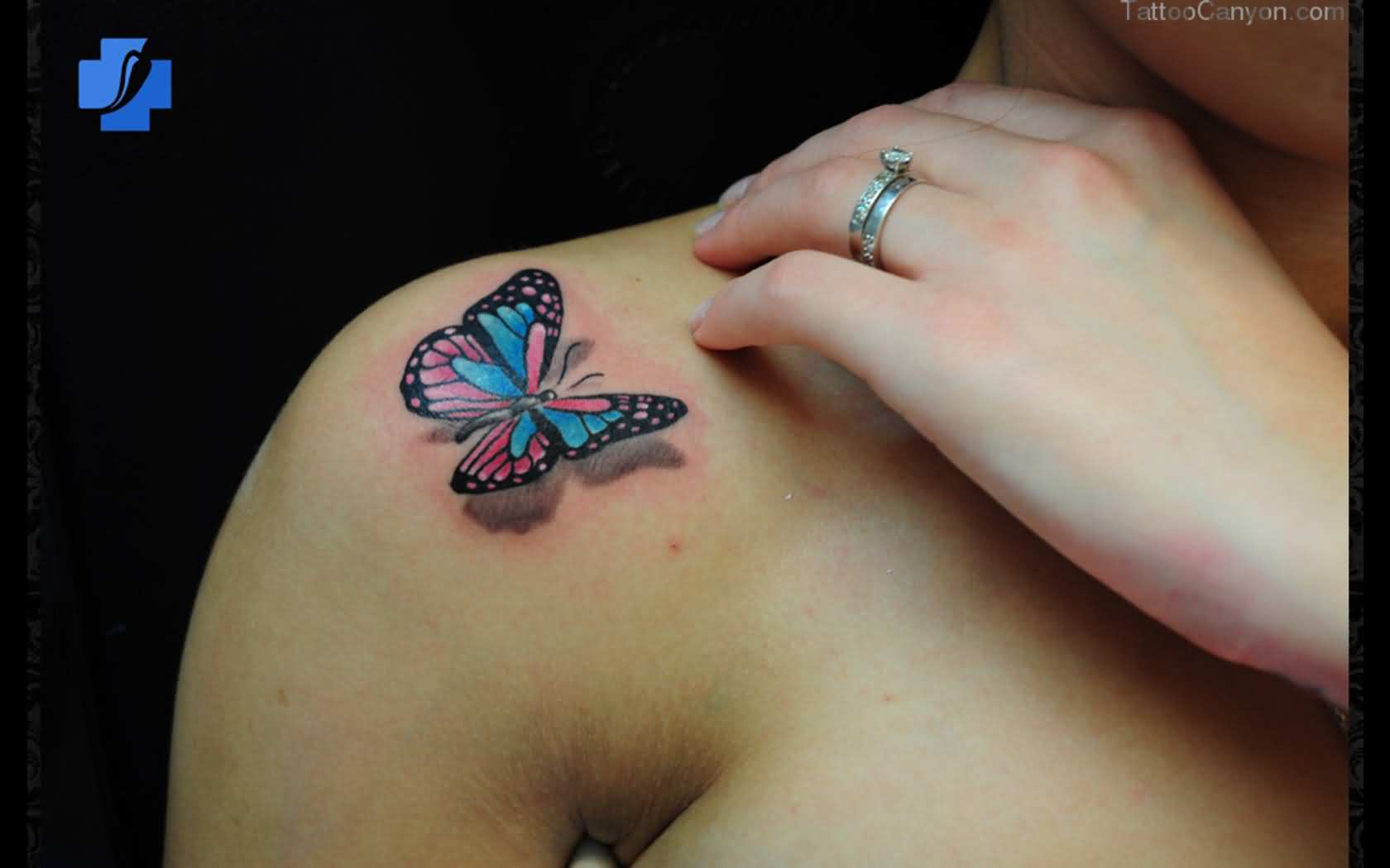 sweet-3d-butterfly-tattoo-on-right-shoulder