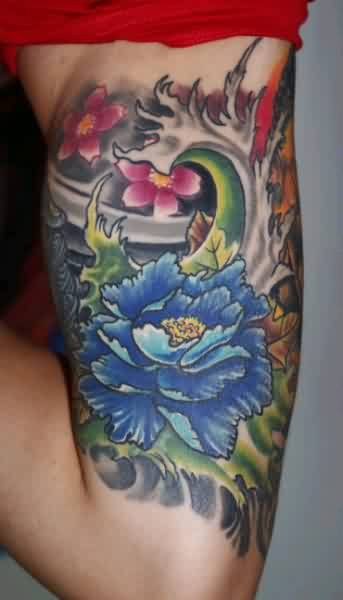 Amazing Grey Waves And Flower Tattoos On Muscles
