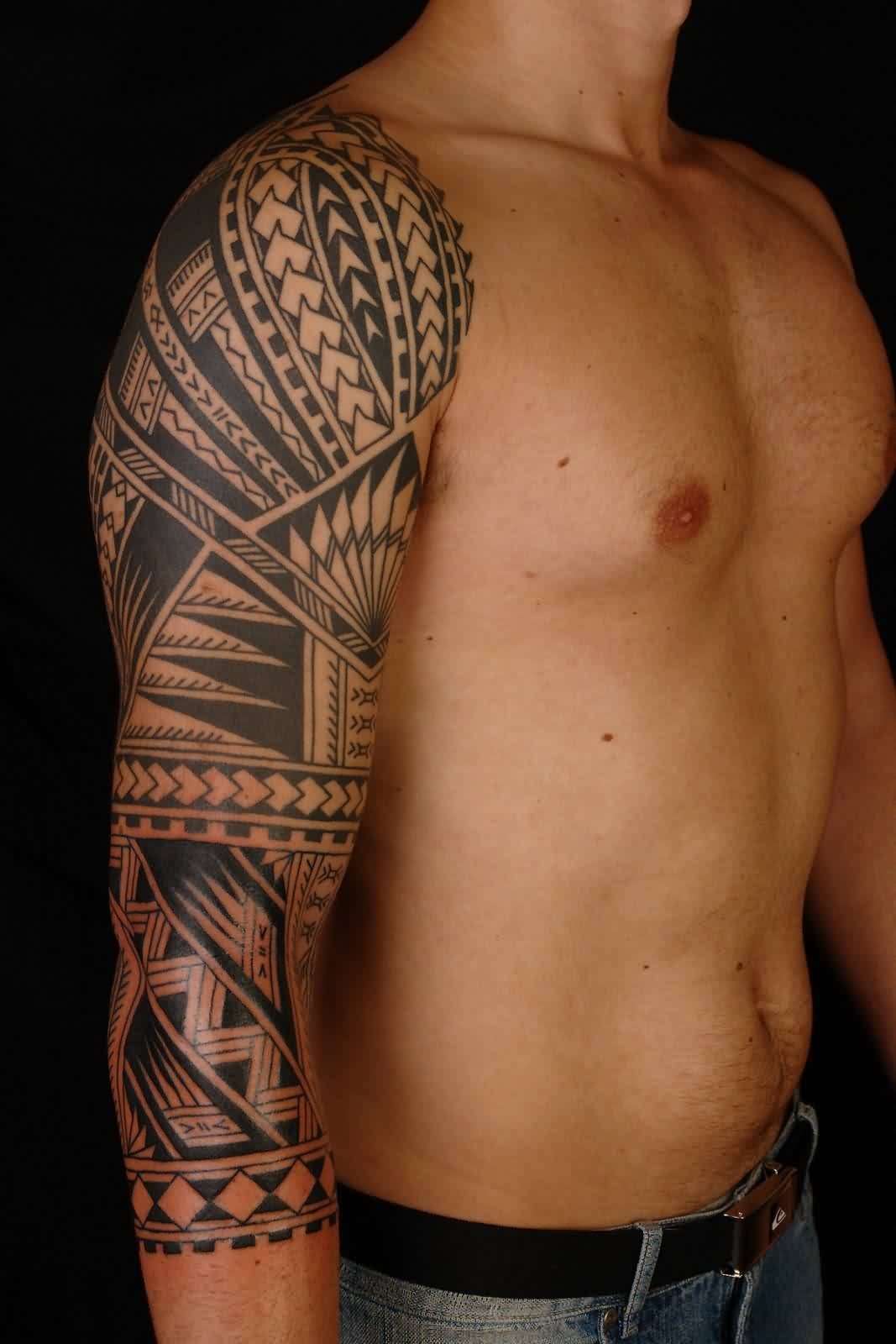 Best Black Ink Polynesian Tattoo On Right Sleeve