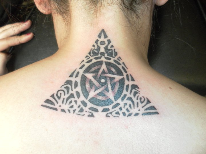 Black Ink Maori Triangle Tattoo On Back Neck