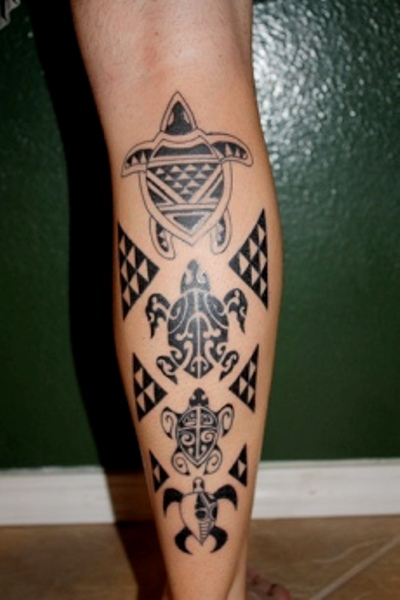 Black Polynesian Hawaiian Tattoos On Leg