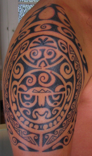 Black Polynesian Maori Tattoos On Right Shoulder