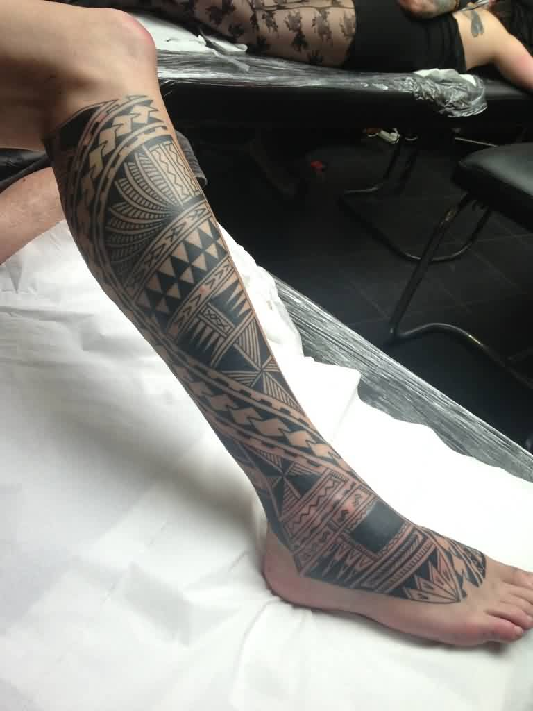 Black Polynesian Tattoos On Right Leg