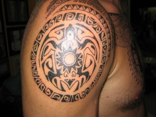 Black Polynesian Turtle Tattoo On Right Shoulder