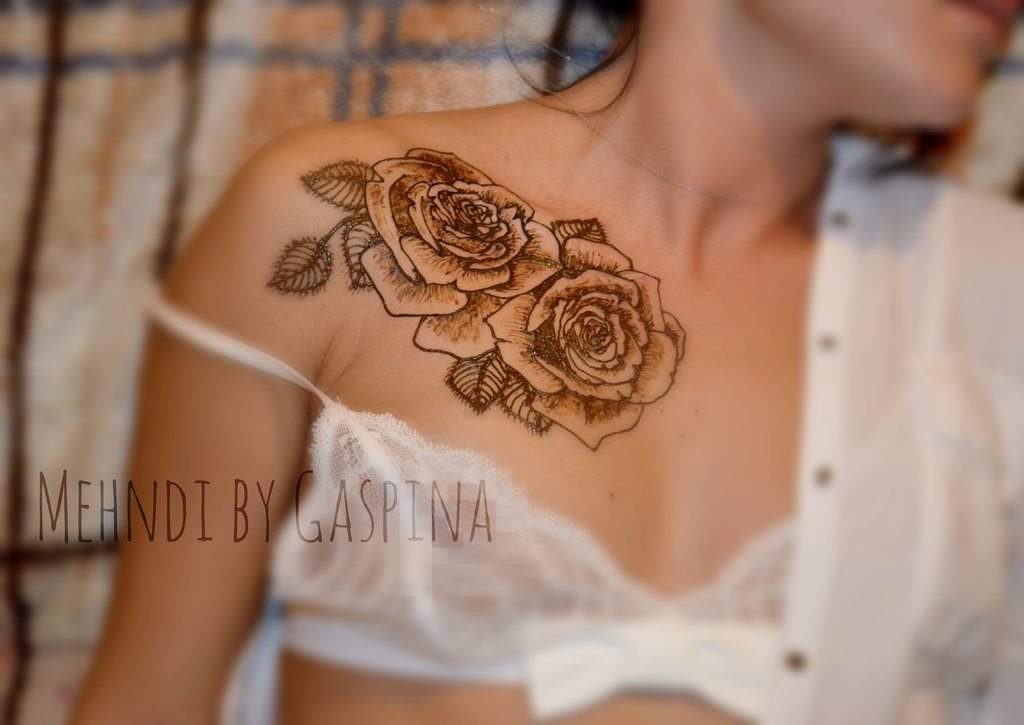Collarbone Henna Rose Tattoos For Girls