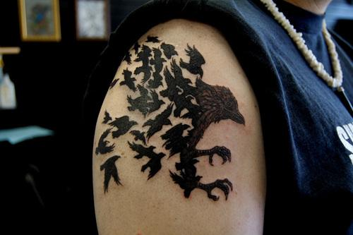 Crow Tattoos On Right Shoulder For Guys